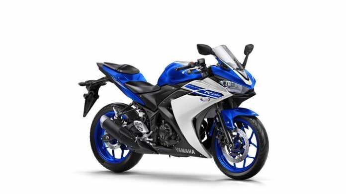 2016-yamaha-yzf-r250-eu-race-blu-studio-001