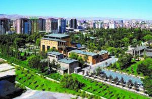 Müze ve kütüphane Abdullah Gül Üniversitesi kampüsü içerisinde..