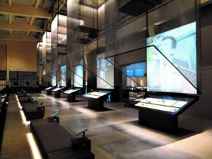 Müze inter-aktif cihazlarla geziliyor..